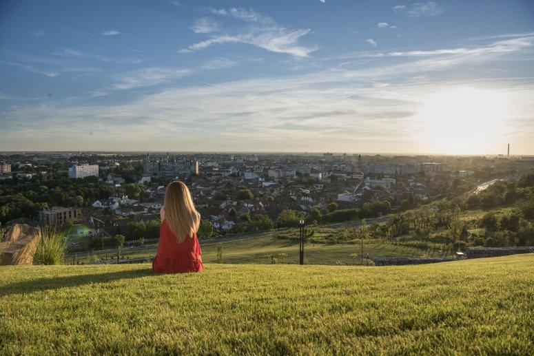 ciuperca-hill-view.jpg